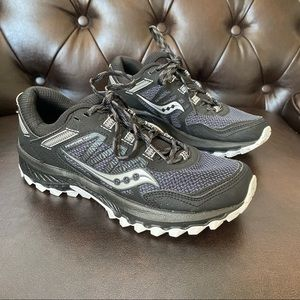 Women's Saucony Run Anywhere Black Shoes size 7.5